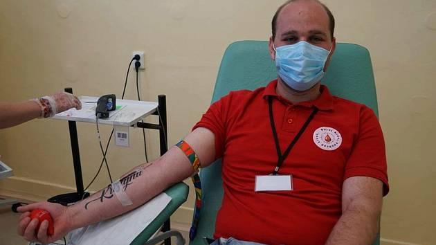 Jan Hamar v chebské transfúzní stanici