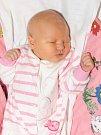 ROZÁLIE PECHÁČOVÁ  bude mít v rodném listu datum narození pondělí 14. prosince v 19.52 hodin. Při narození vážila 3 610 gramů a měřila 50 centimetrů. Maminka Jana tatínek Patrik se těší z malé Rozálky doma v Chebu.