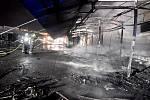 Požár tržnice v Chebu.