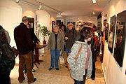 Vernisáž výstavy pražských studentů v chebské galerii G4
