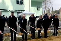 Začala rekonstrukce historické silnice z Hranic do Bad Elsteru.