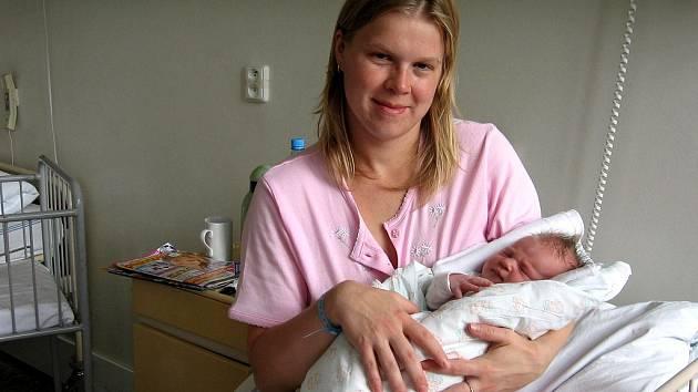 Adéla Rajlichová z Dolního Žandova se narodila 28. října ve 21.45 hodin. Měřila 52 centimetrů a vážila 3,66 kilogramu