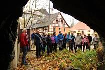 Dozvědět se nové informace o výzkumu západočeských zemětřeseních mohli lidé na dvoudenní mezinárodní konferenci ve Františkových Lázních. Součástí byla i exkurze do terénu.