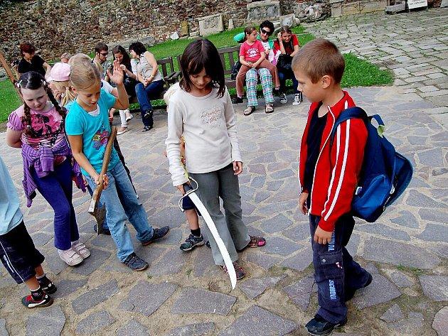 Nejen seznamování s historickými i současnými řemesly bylo hlavním tématem druhého turnusu šestého  ročníku příměstského tábora – takzvané Letní výtvarné dílny pořádané chebským muzeem.