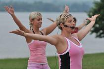 Na plovárně Dřenice se hrál turnaj a zacvičily si i ženy.