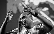 Brazilčan Adriano Trinade je jedním z nejuznávanějších současných interpretů moderní samby