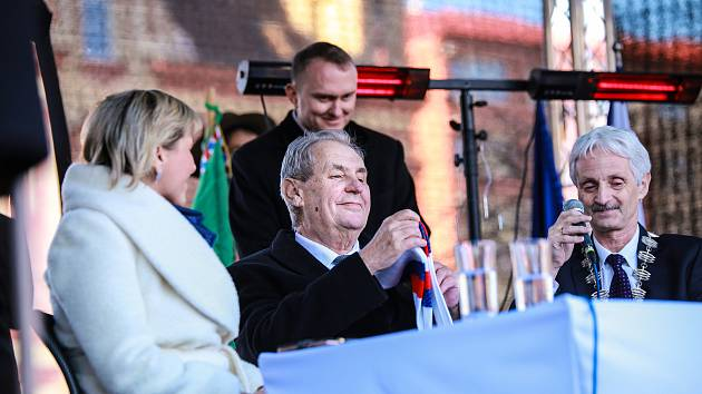 """Prezident Miloš Zeman navštívil Aš už podruhé. A proč? """"Protože jste si mě vybrali."""""""