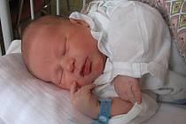 JAKUB KUPEČEK z Aše se narodil v chebské porodnici 19. března ve 20.40 hodin. Měřil 51 centimetrů a vážil 3,55 kilogramu