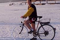 FRANTIŠKOLÁZEŇŠTÍ STRÁŽNÍCI už několik let nezaregistrovali nějaké vážné ohrožení občanů na zamrzlé Americe. Přesto se zde občas v zimním období prohánějí také recesisté na kolech.