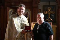 V Chrámu svaté Olgy ve Františkových Lázních mají nově ostatky kříže.