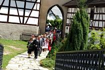 Magické datum 8. 8. 2008 si ke svatbě vybral také pár Božena Šulcová a Pavel Kajlík. Svatba se konala na hradě Seeberg