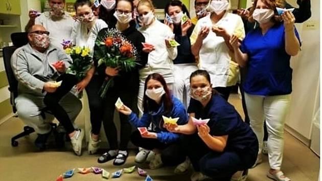 Zaměstnanci nemocnice si sáhli v posledních týdnech na dno svých sil.