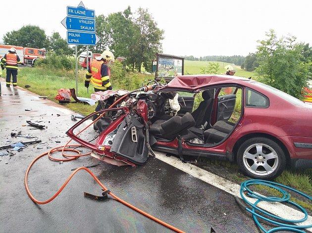 Dopravní nehoda v nechvalně známém esíčku u Hazlova zablokovala spojnici mezi Chebem a Aší.