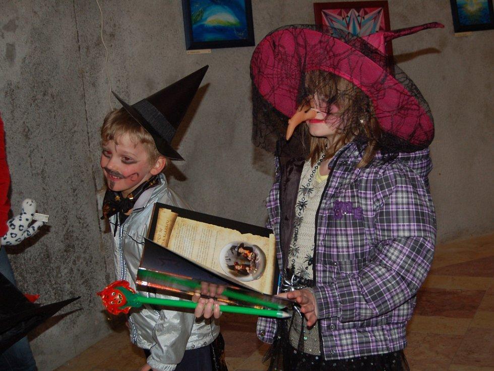 ČARODĚJNICE NA SEEBERGU. Slétly se tady, aby společně oslavily Valpuržinu noc.
