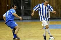Tým Stínící technika Kalouš prohrál ve druholigovém duelu s celkem Atletiko Hradčany 2:5.