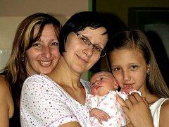 ANTONIE ESCHLEROVÁ přišla na svět v sobotu 31. července v 16 hodin. Při narození vážila 2820 gramů a měřila 49 centimetrů. Maminka Anna a tatínek František se těší z malé Toničky doma v Chebu.