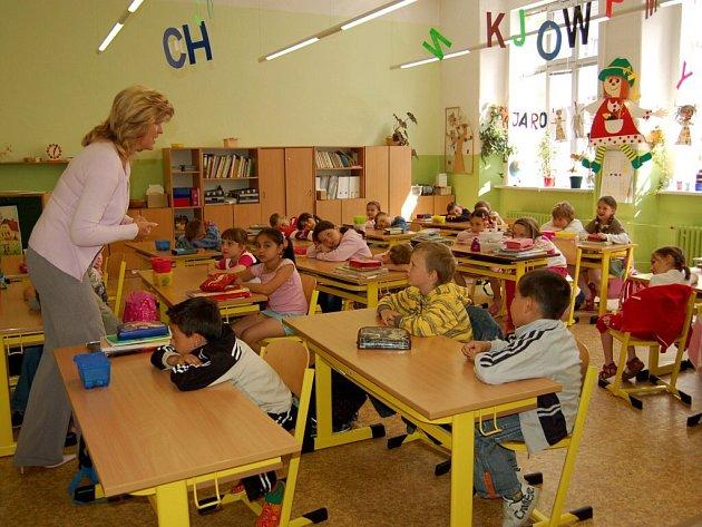 Předškoláci z MŠ Pohádka navštívili první třídu ve 2. ZŠ Cheb.