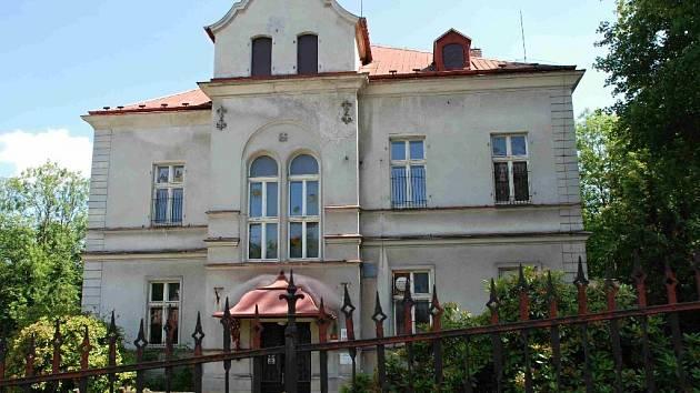 MATEŘSKÁ ŠKOLA v ašské ulici Gustava Geipela se dočká rekonstrukce. Výměna dveří, oken a fasády vyjde na šest milionů korun.