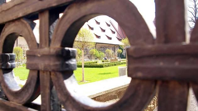 Klášterní zahrada v Chebu.