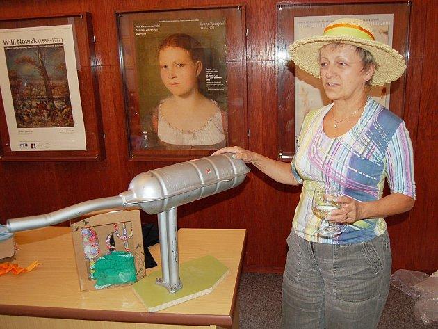 Dana Ryšavá pracovala v Galerii výtvarného umění Cheb od roku 2003. Nyní k 31. červenci odešla do důchodu.