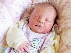 VALERIE ČECHOVÁ bude mít v rodném listě datum narození středu 21. Května v 14.09 hodin. Na svět přišla s váhou 3 040 gramů a mírou 50 centimetrů. Doma v Chebu se z malé Valinky radují sourozenci Lucinka s Tomášem, maminka Kateřina a tatínek Jakub.
