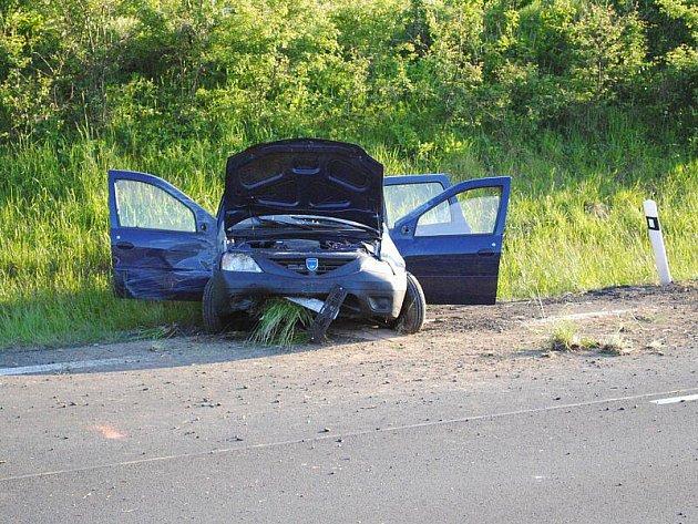 Na obchvatu Aše došlo v neděli v podvečer k havárii osobního vozu.