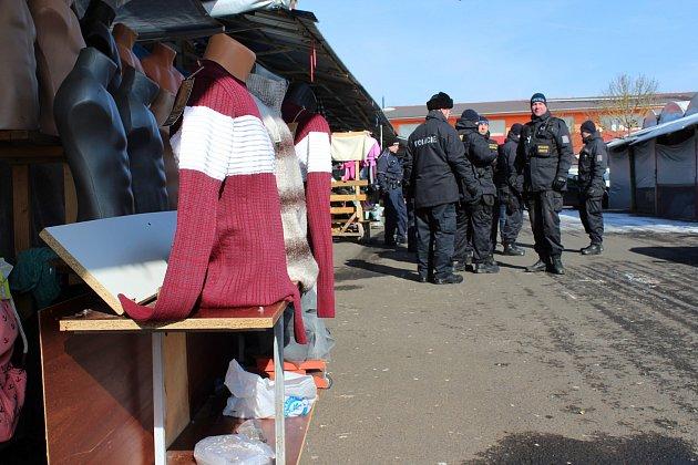 Jedna zposledních kontrol na asijské tržnici se odehrála ve Svatém Kříži uChebu.
