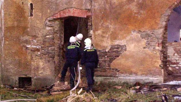 Požár zámku v Kopaninách 2