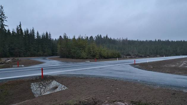 Nová silnice mezi Drmoulem a Mariánskými Lázněmi.