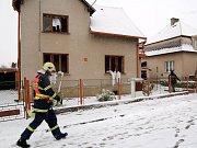 Výbuch plynu zničil rodinný domek fe Františkových Lázních. Podle statika bude nutné jej strhnout