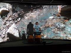 UNIKÁTNÍ snímky vesmíru se promítaly v jedné části koncertu Společná věc Tomáše Pfeiffera v Aši. Na akci dorazila asi padesátka návštěvníků.