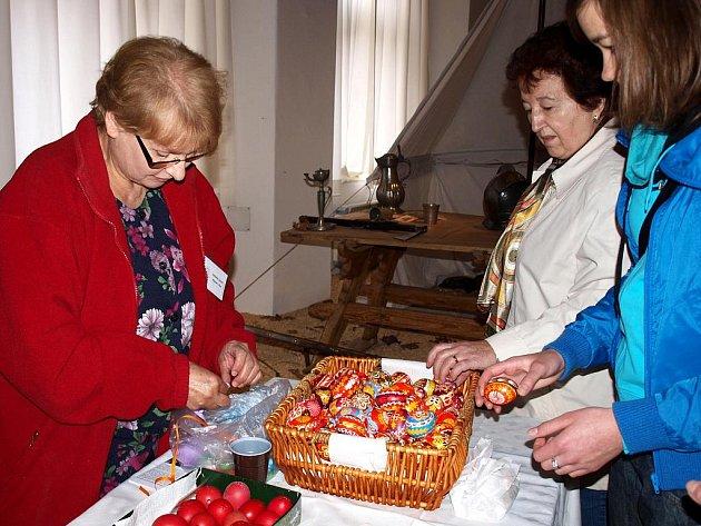 Tradiční velikonoční jarmark v chebském muzeu.