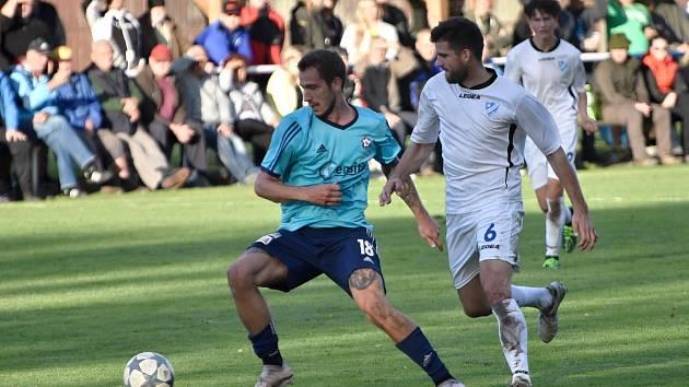 Chebská Hvězda prohrála na půdě Katovic (v modrém) 0:2.