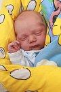 ONDŘEJ CÁBA se narodil vchebské porodnici vúterý 16. ledna v8.41 hodin. Na svět přišel sváhou 3810 gramů. Doma vDolním Rychnově se zmalého Ondráška raduje bráška Kája spolu smaminkou Soňou a tatínkem Karlem.