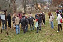 PŘI PRVNÍM otevření naučné stezky kolem pozůstatků bývalého hradu v Podhradí vzbudila velký obdiv historická konírna.