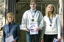 STUPNĚ VÍTĚZŮ  kat. D 20: Hana Fučíková - Bílovice, Eliška Kuncová -  ROB Cheb, Hana Najmanová - ROB Cheb.