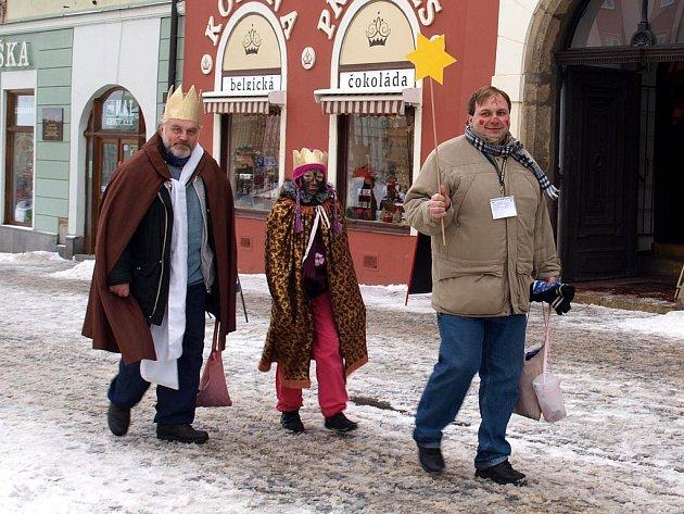 Chebští koledníci při Tříkrálové sbírce.