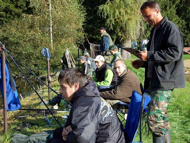 Rybářské závody na Riviéře ve Velké Hleďsebi