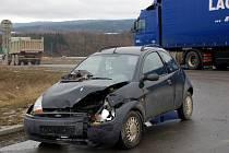 Dopravní nehoda dvou osobních aut, ke které došlo v pátek 6. března na sjezdu ze silnice R6 za Odravou