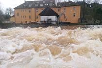 OHŘE v přehradě Skalka v Chebu dosáhla prvního povodňového stupně.