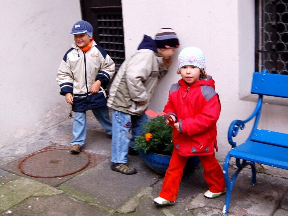 Děti na akci v chebském muzeu