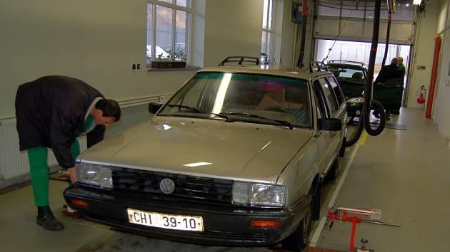 Den otevřených dveří v chebské Stanici technické kontroly