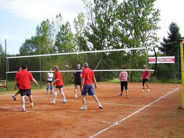 Volejbal v Dolním Žandově.