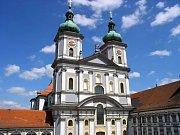 Kompletní renovace interiérů baziliky v německém Waldsassenu, který sousedí s městem Cheb, v těchto dnech skončila. Celkové náklady dosáhly celkem 156 milionů korun.