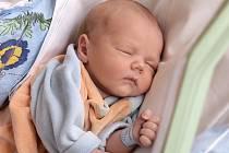 SAMUEL VYMISLICKÝ bude mít v rodném listě datum narození neděli 24. února v 9.23 hodin. Na svět přišel s váhou 2 900 gramů a mírou 51 centimetrů. Doma ve Františkových Lázních se z malého Samuelka těší bráška Daniel s maminkou Žanetou a celou rodinou.
