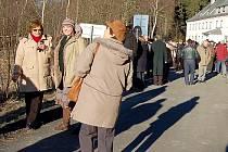 UŽ PŘI VSTUPU České republiky do Schengenu a bourání závory na hranicích očekávali Hraničtí zájem turistů o své město. Místní podnikatelé se ale zatím poptávce nepřizpůsobili.
