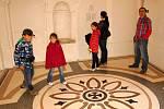 NÁVŠTĚVNÍCI hradu a zámku v Libé byli zrekonstruovanými částmi nadšeni. Do vnitřku budovy totiž mohli zavítat poprvé od 60. let minulého století.
