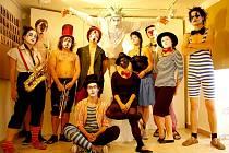 Umělecká skupina UMSKUP.