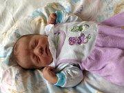 MATYÁŠ NUSHART se narodil v neděli 28. září ve 2.25 hodin. Při narození vážil 3780 gramů a měřil 52 centimetrů. Doma v Aši se na Matyáška těší sourozenci, Michaelka, Martin, David a Filip.