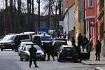 Policisté zasahovali v ašské ulici Gustava Geipela.